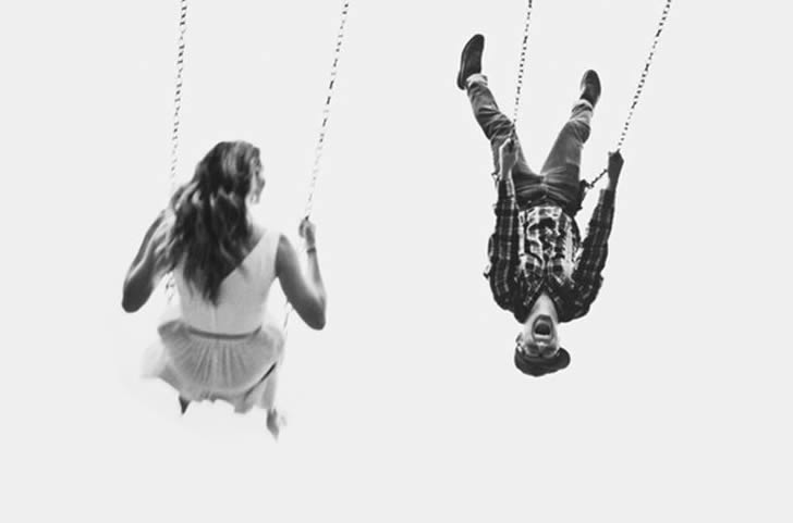 Paura dell'intimità: cause, sintomi e spunti per superarla.
